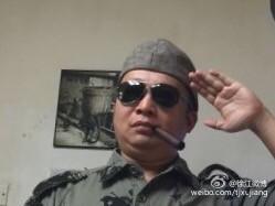 Xu Jiang salutiert